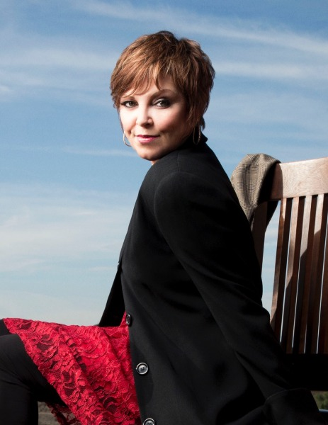 Pat Benatar to be Honored at the 2018 She Rocks Awards